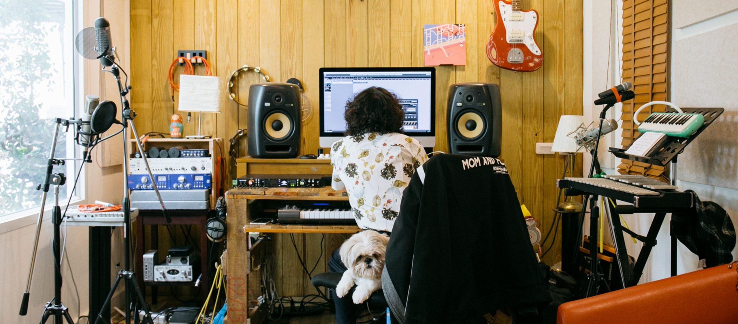 Happy Hippo Studio สตูดิโอทำเพลงของโฟร์ 25hours ที่เชื่อว่าการทำงานด้วย 'ฟีลลิ่งที่ดี' สำคัญกว่า
