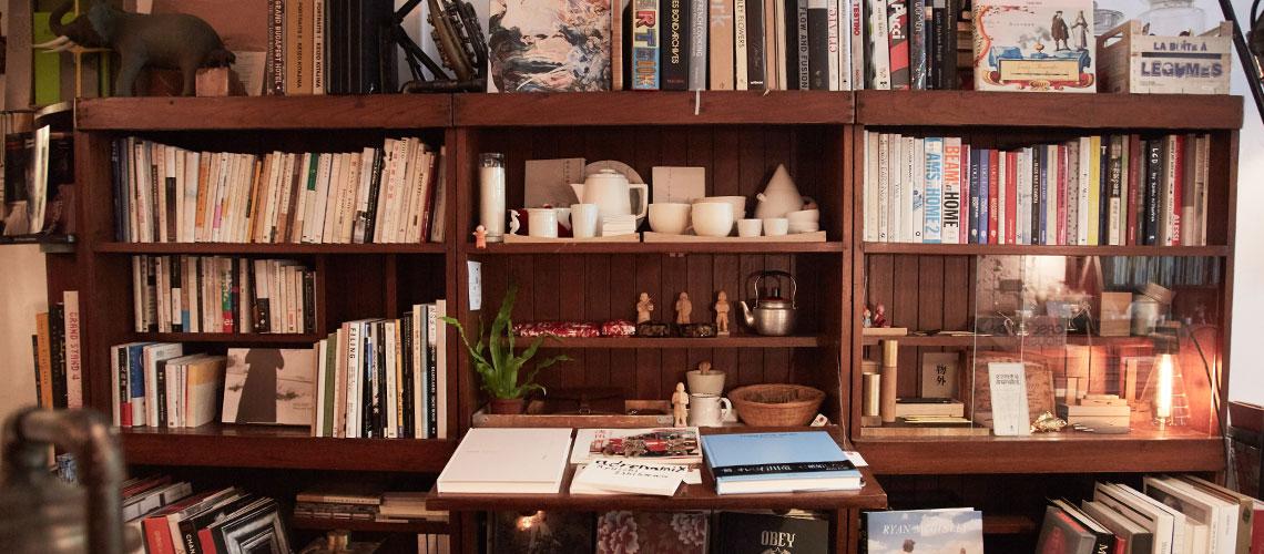 VVG Something : ร้านหนังสือและคาเฟ่ขนาดจิ๋วที่เต็มเปี่ยมไปด้วยความรัก