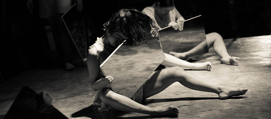 Human : งานแสดงที่สะท้อนการเดินทางของเวลาผ่านกระจก ดนตรี และการร่ายรำ