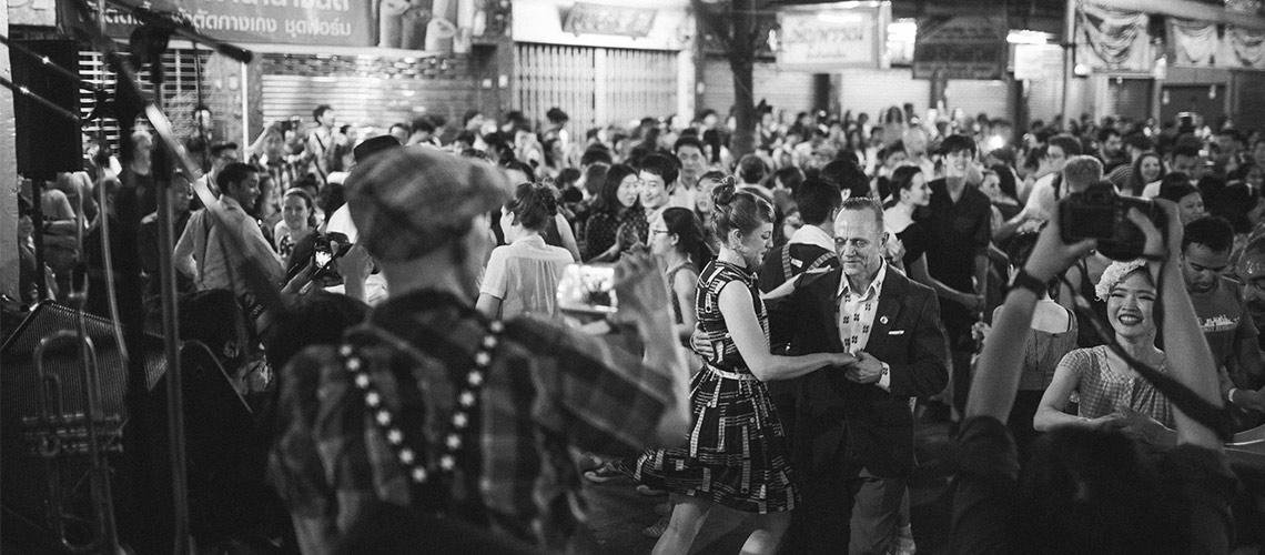 Big Bang: Swing Dancing งานเต้นสวิงหน้าพระปฐมเจดีย์ที่เหมือนย้อนไปอยู่บรรยากาศในยุค 50s