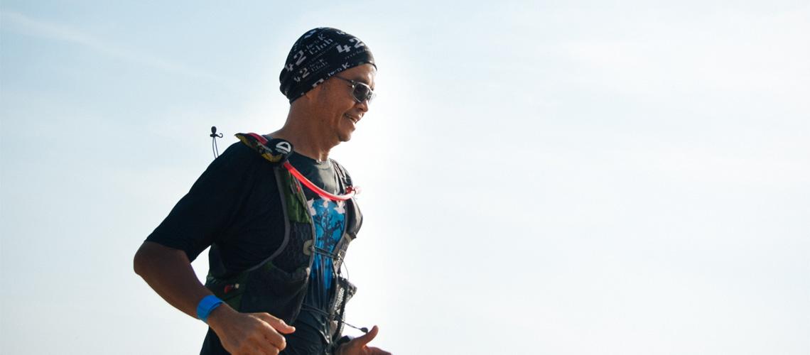 อิทธิพล สมุทรทอง : นักวิ่งหนึ่งเดียวที่เคียงข้าง ตูน บอดี้สแลม ตลอดระยะทาง 400 กิโลเมตร จากกรุงเทพฯ ถึงบางสะพาน