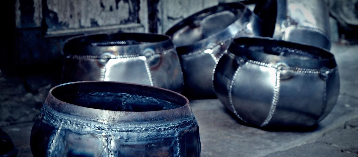 ช่างทำบาตร (Alms Bowl Makers)