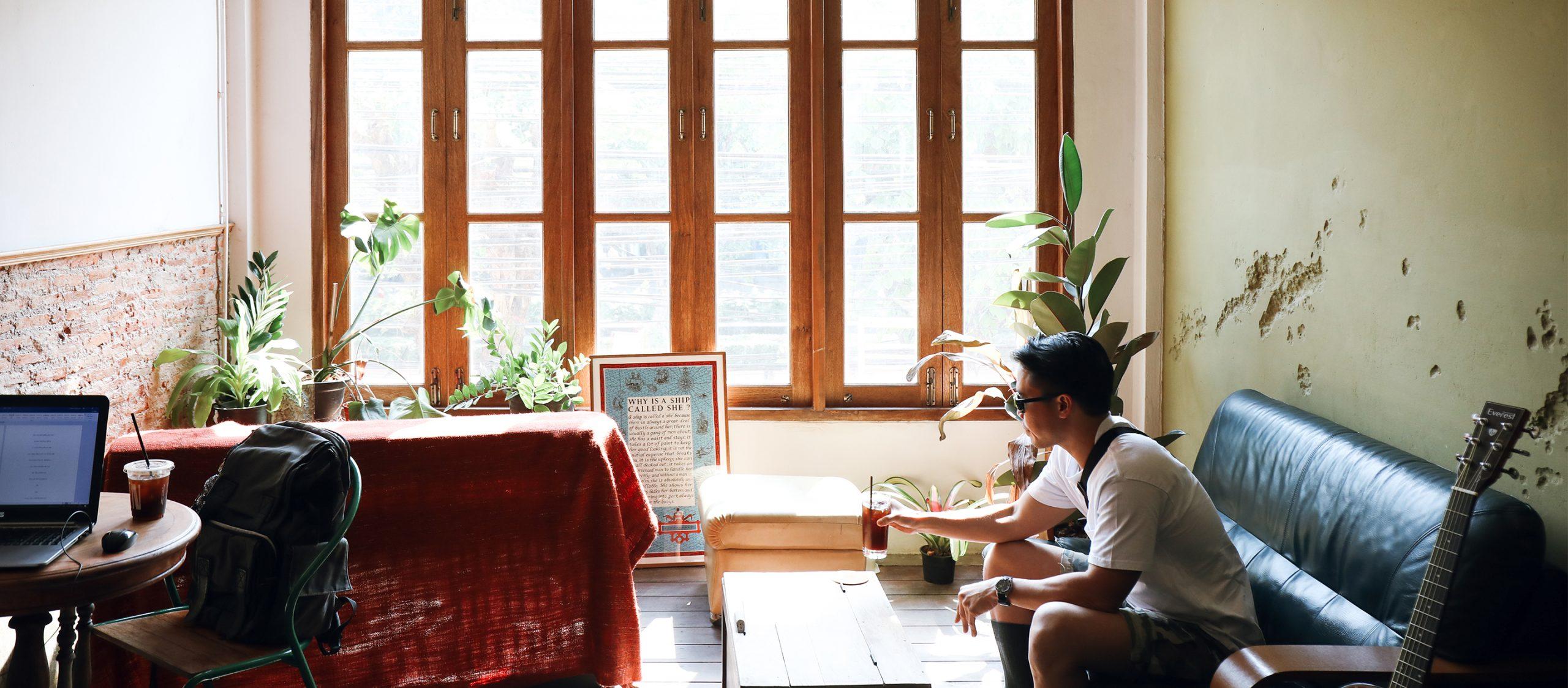 Walden Home Cafe คาเฟ่สีเขียวมะกอกย่านคลองสานกับความสงบที่น่าตกหลุมรัก