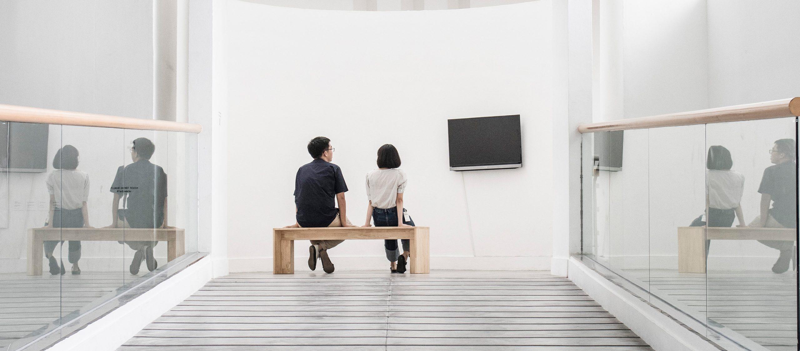"""""""หอศิลป์ไม่ใช่สถานที่หรอก แต่เป็นผู้คน"""" หลากหลายถ้อยคำและความผูกพันจากมนุษย์หอศิลปกรุงเทพฯ"""