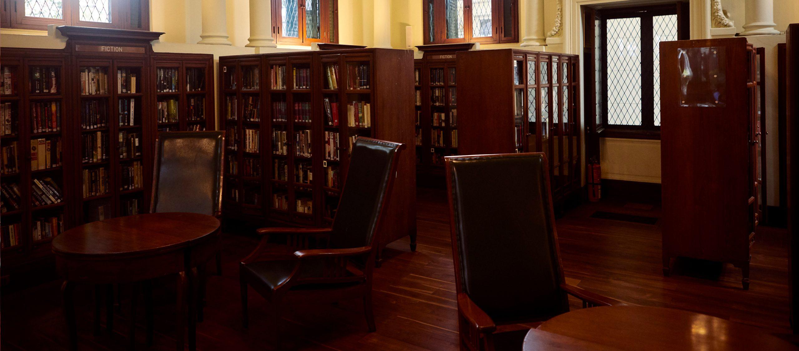 คุยกับ นลิน วนาสิน เรื่องเทศกาลวรรณกรรมนานาชาติและลมหายใจของห้องสมุด Neilson Hays