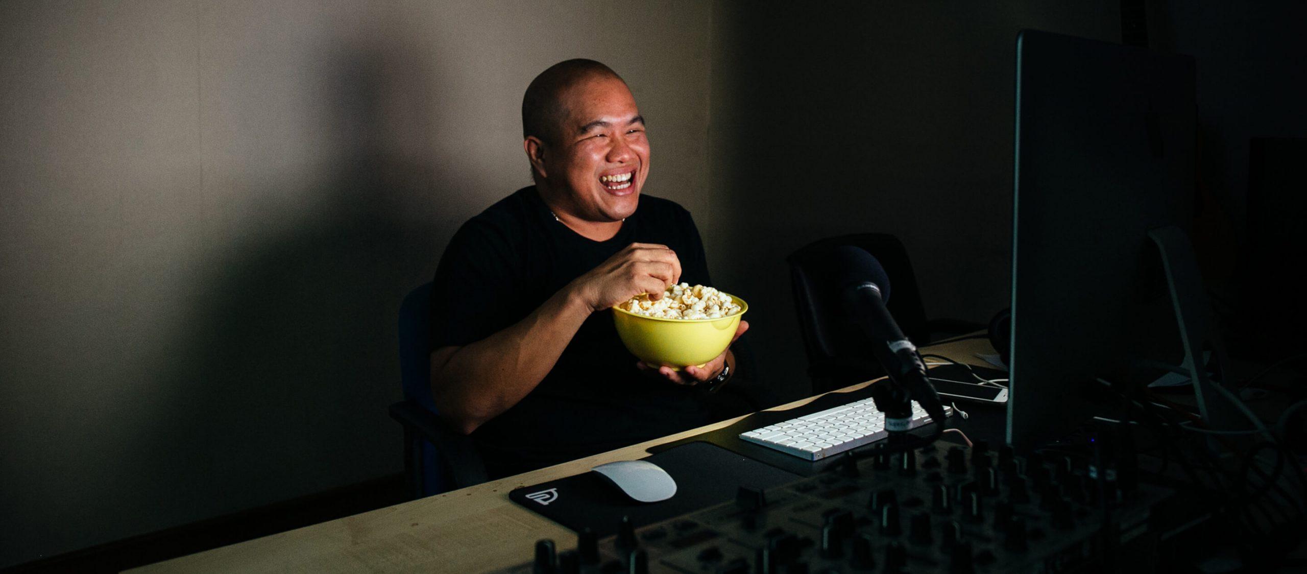 จีน Viewfinder คนเล่าเรื่องหนังที่ไม่ต้องเนิร์ดหนังก็ฟังสนุกจนมีผู้ติดตามกว่าครึ่งล้าน