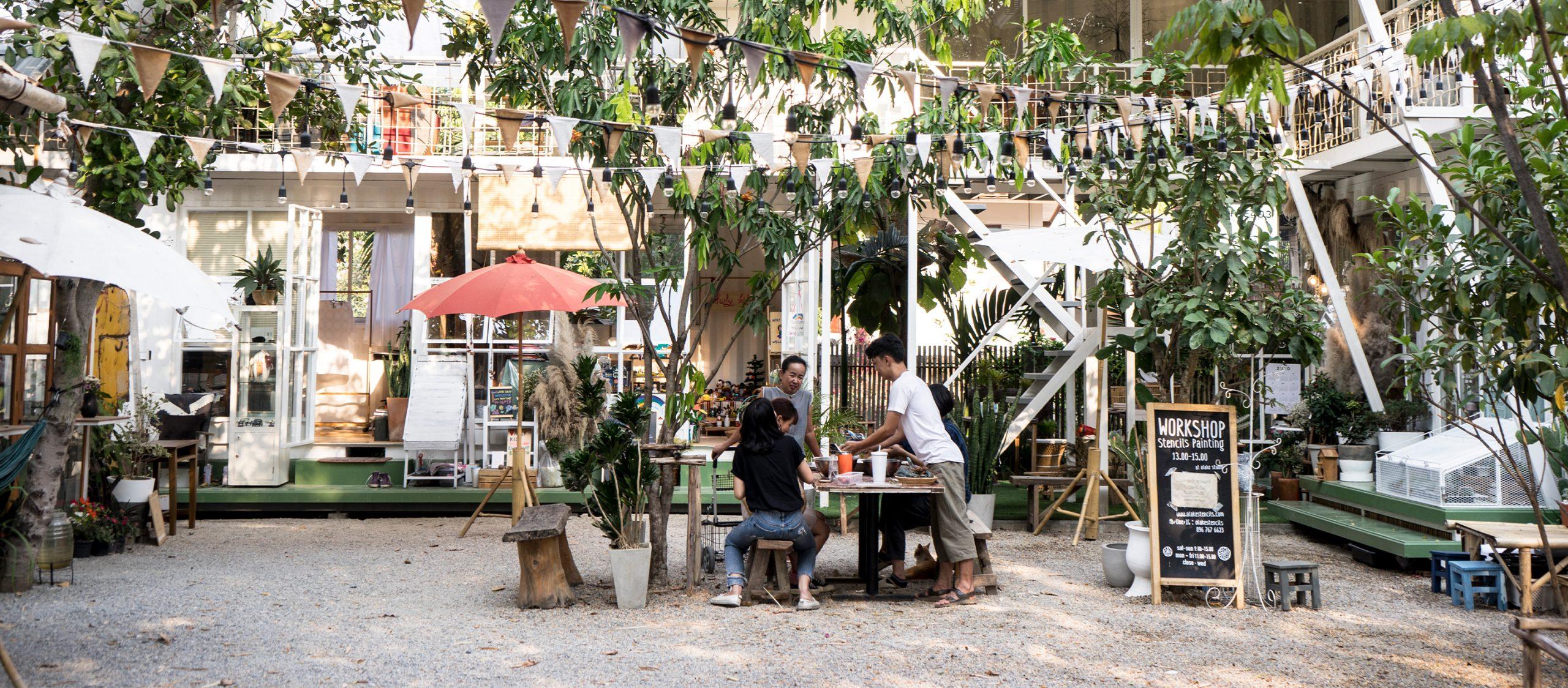 ต่อนยอนแอ่ว 'โหล่งฮิมคาว' ชุมชนฮักงานคราฟต์ที่อยู่กั๋นแบบครอบครัวใหญ่ ม่วนอกม่วนใจ๋