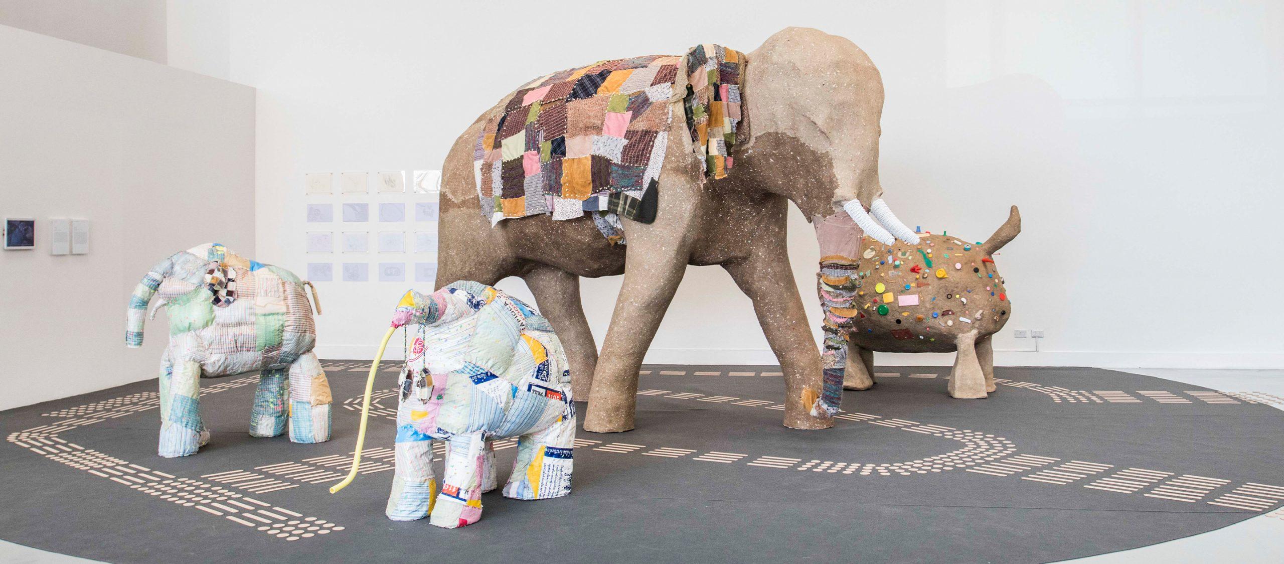 ธนนันท์ ใจสว่าง ศิลปินผู้สร้าง 'ตาบอดคลำช้าง' งานศิลปะที่ทุกคนคลำได้ร่วมกัน
