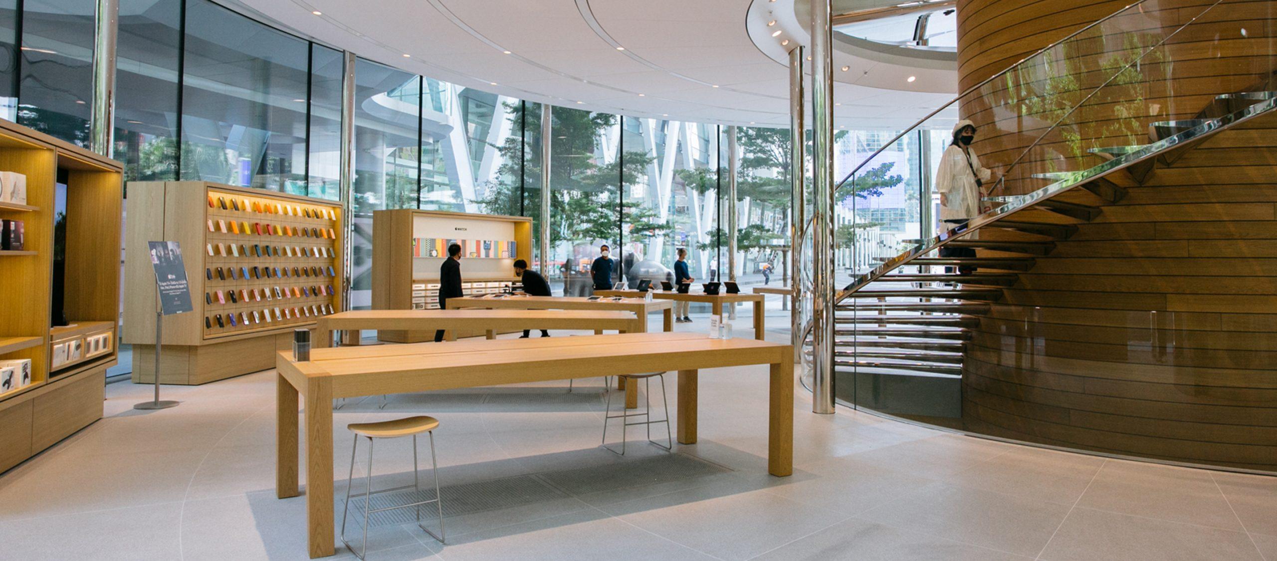 คุยกับดีไซเนอร์เบื้องหลังตึกทรงกระบอก กระจกใส และดีไซน์ของ Apple Central World