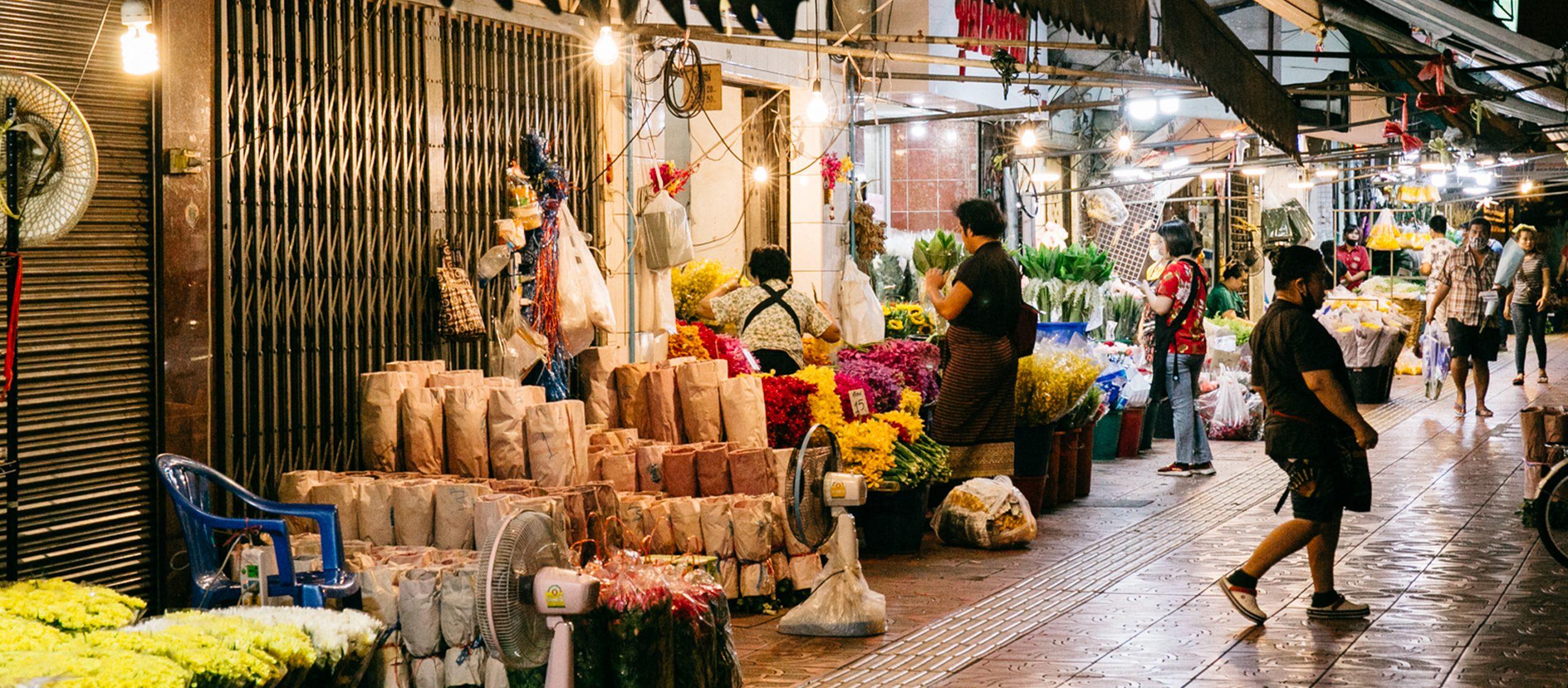 Humans of Flower Market โปรเจกต์คึกคักของนักออกแบบที่อยากฟื้นปากคลองตลาดให้ครึกครื้น