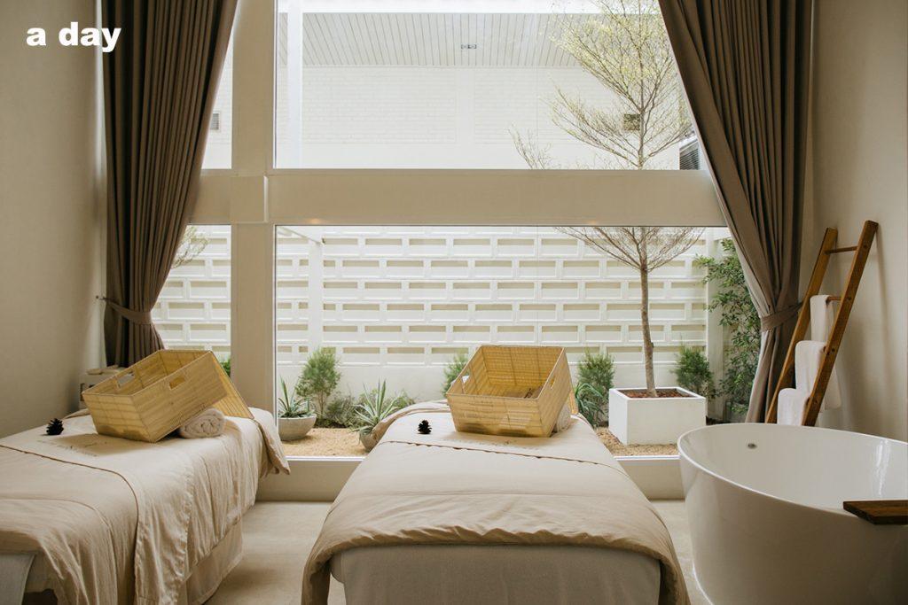 white wood green room