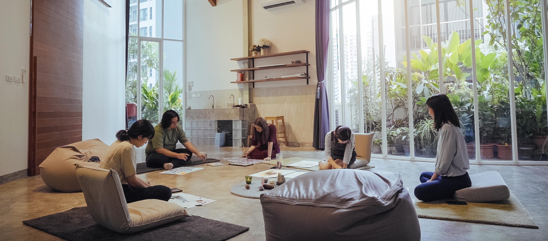 Studio Persona – พื้นที่ปลอดภัยบนดาดฟ้าที่เยียวยาผู้คนด้วยศิลปะ   Studio Visit