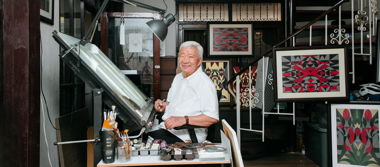 พีระ โองาวา ศิลปินวัย 75 ปีผู้ใช้เครื่องมือเรขาคณิตแปลงเสียงแมลงในหูออกมาเป็นงานศิลปะ
