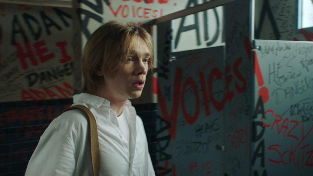 รีวืว Words on Bathroom Walls ถ้อยคำบนผนังห้องน้ำ เรื่องราวของอดัมเจ้าเล่ห์