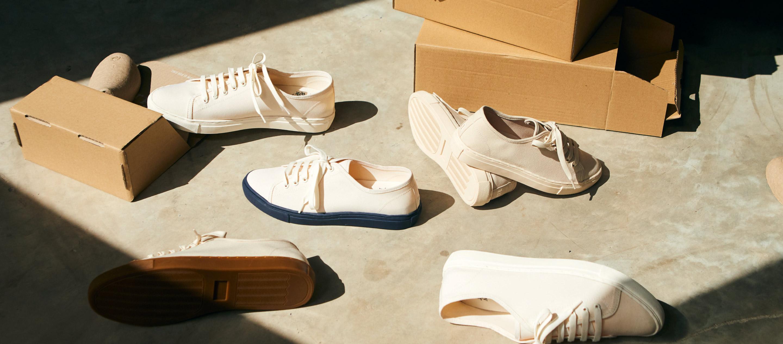 Maddy Hopper รองเท้าดีไซน์มินิมอลจากขวดพลาสติก ที่อยากให้คนลดการซื้อใหม่ด้วยการใส่ซ้ำบ่อยๆ